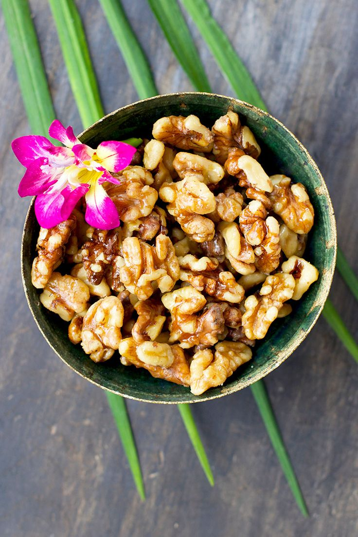 Maple Caramelized Walnuts - CaliZona