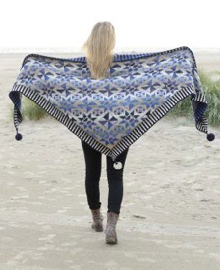 The Tile Shawl - will be featured in the new book from Christel Seyfarth, to be released on 20th of September. We can hardly wait!
