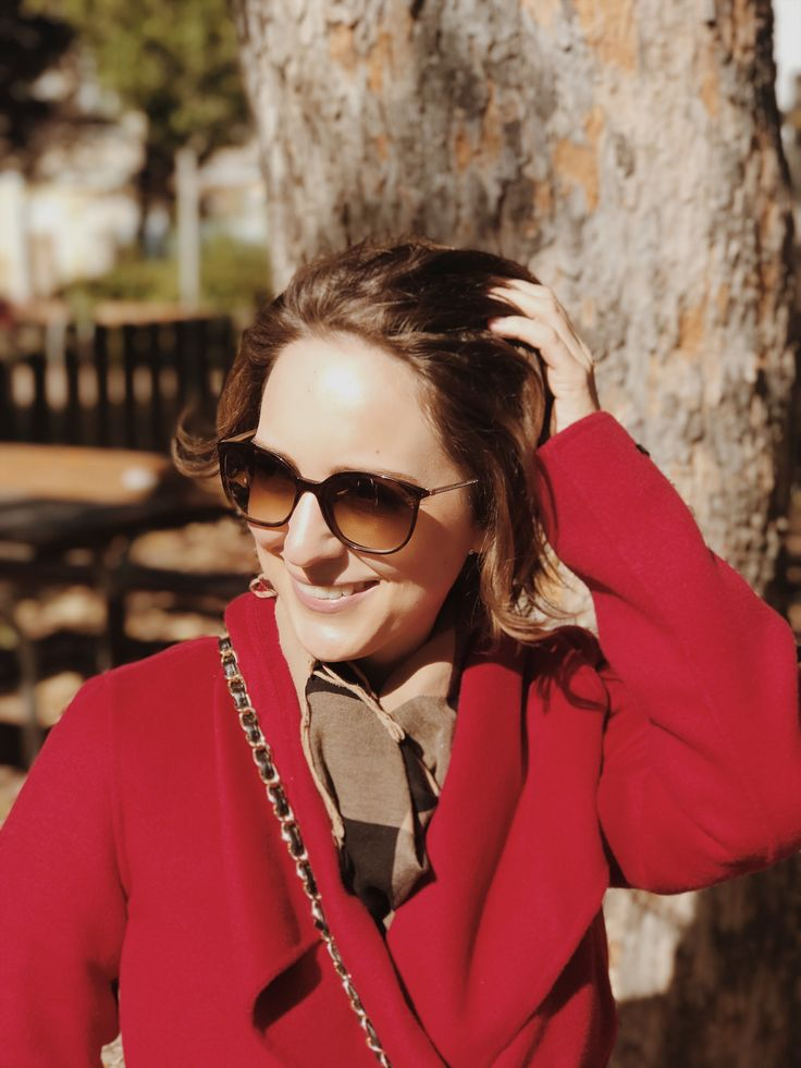 Fall style portrait - with burberry scarf and Chanel bag