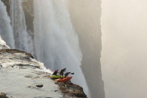 Extrém kajakozás a Victoria-vízesésnél