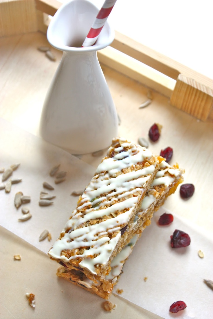 Healthy Muesli Bars...seem easy and can be nut free for school lunch box