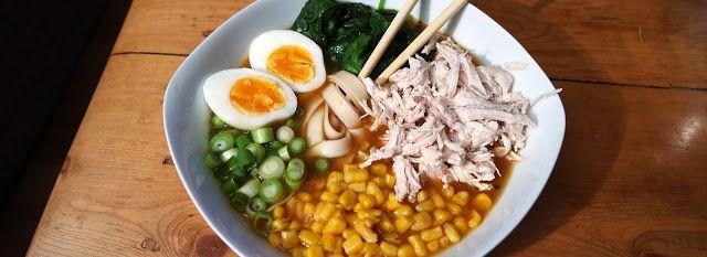 Japanse miso ramen met kip