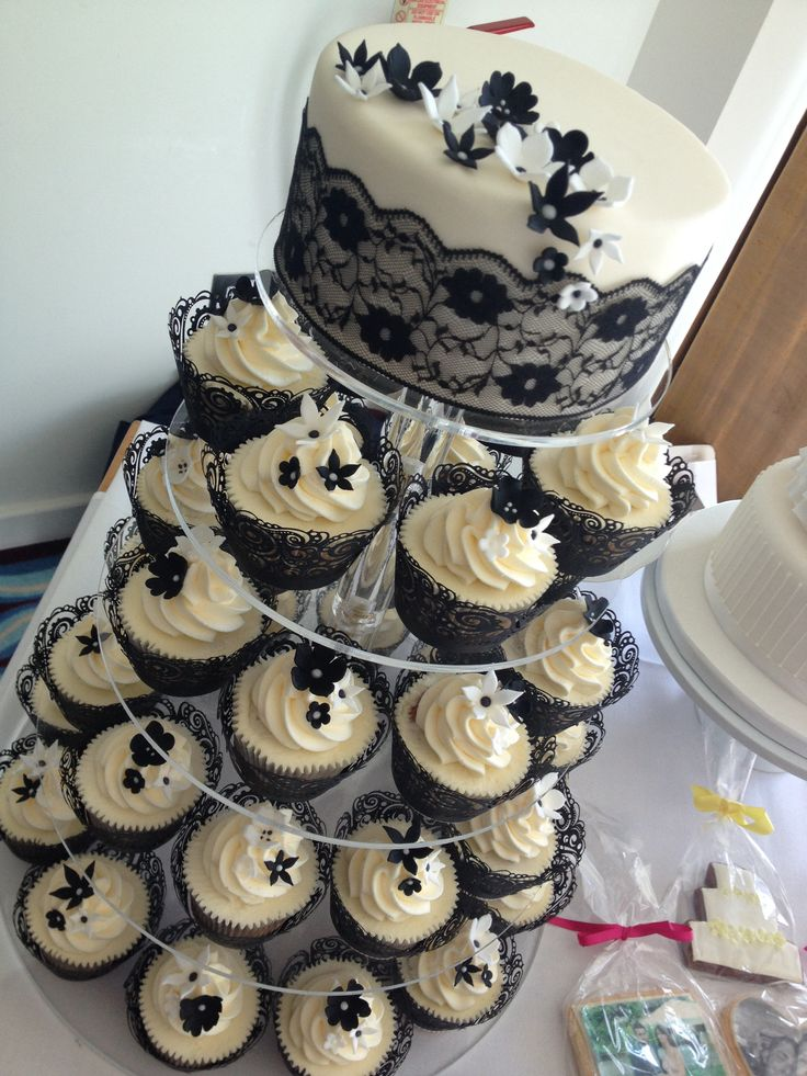 black lace wedding cakes 18 best images about black lace wedding cake cupcakes on 11869