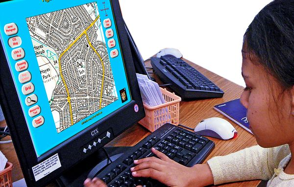 This map making software for KS1 and KS2 includes current 1km2 ordnance survey maps, 19th century historical maps and an aerial photograph centred on your schoo