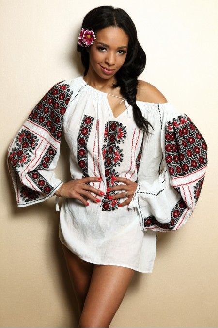This is from a Romanian company called IIANA, www.iiana.ro . Traditional Romanian top on an African model - they go beautifully together, don't they?
