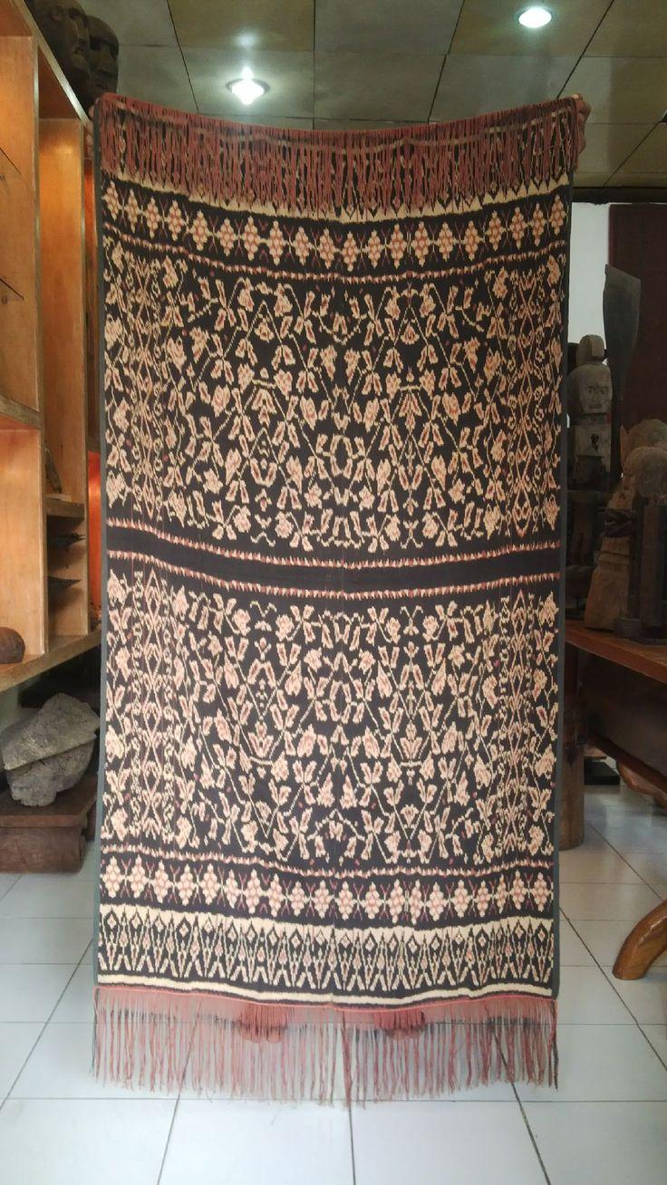 kain adat dari rote, indonesia