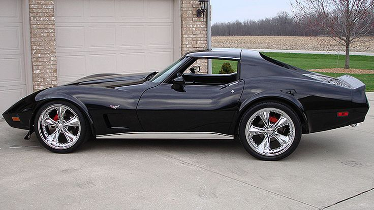 1977 Corvette with subtle modifications