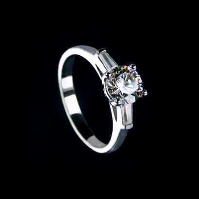 Romantic Style 1.01 CT 925 Sterling Silver Platinum Plated Cubic Zirconia Women's Ring