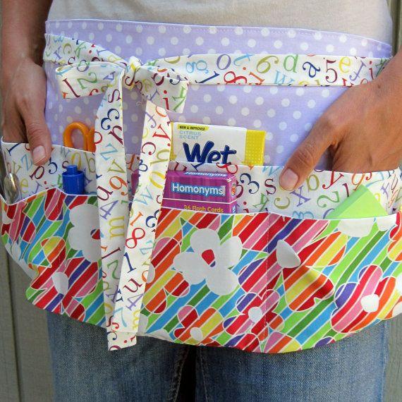 Profesor delantal-arco iris colorido profesor utilidad mitad delantal w / 8 bolsillos para primaria, preescolar o a la guardería maestros