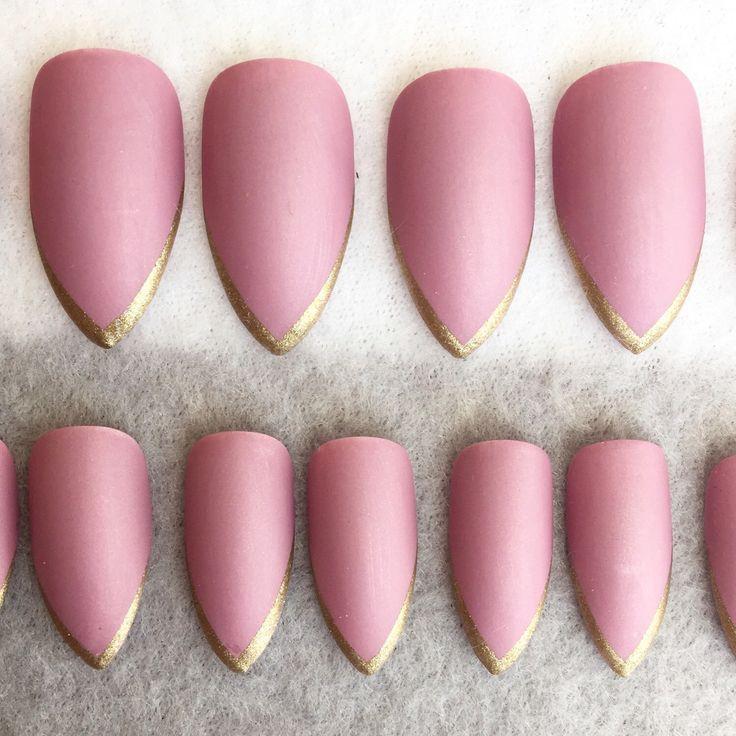 Best 25 glue on nails ideas on pinterest diy nails tutorial acrylics solutioingenieria Images