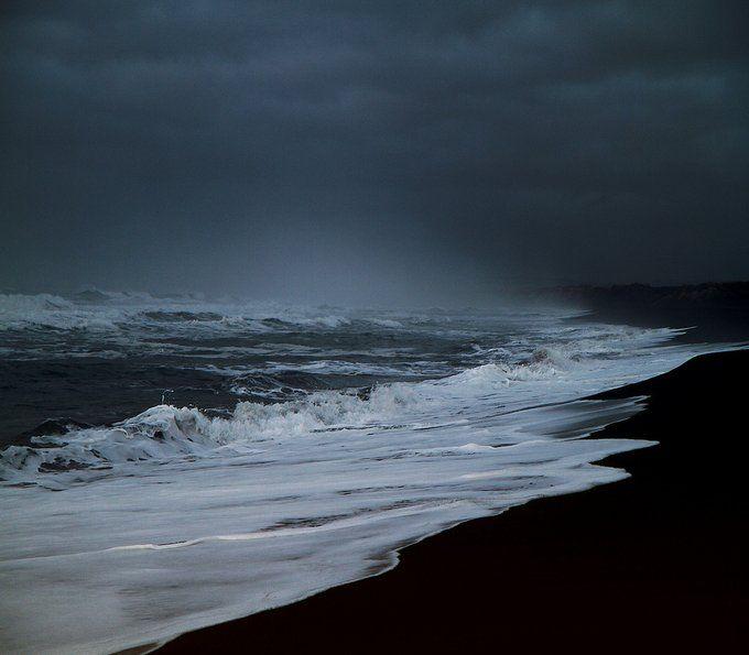 Море мрачное фото