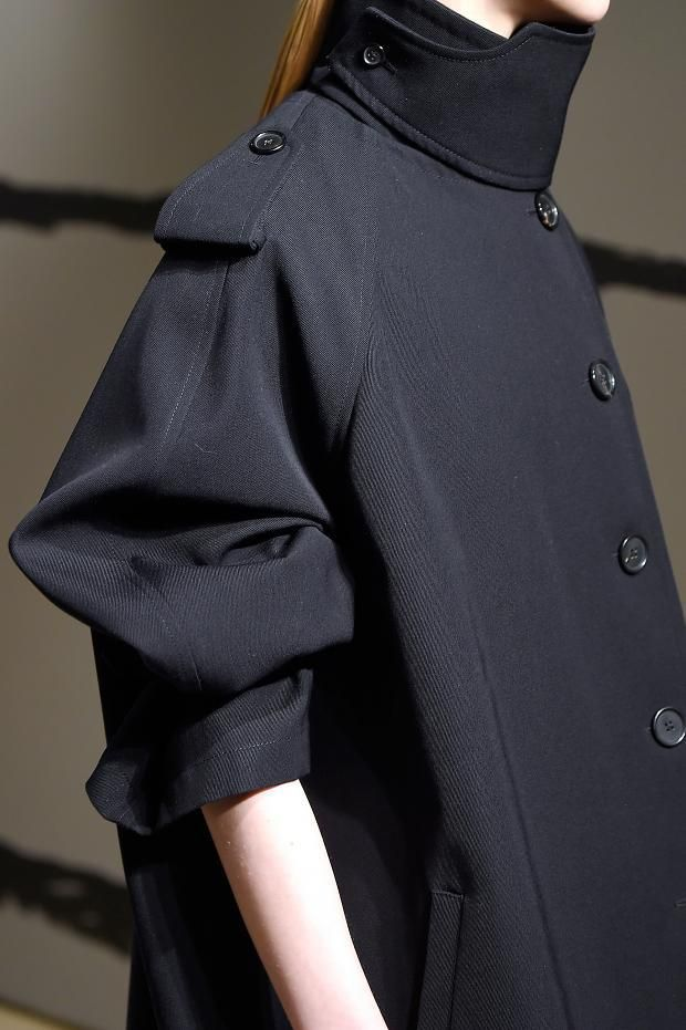 Oversized coat with 3/4 sleeves; chic fashion details // Jil Sander Fall 2016