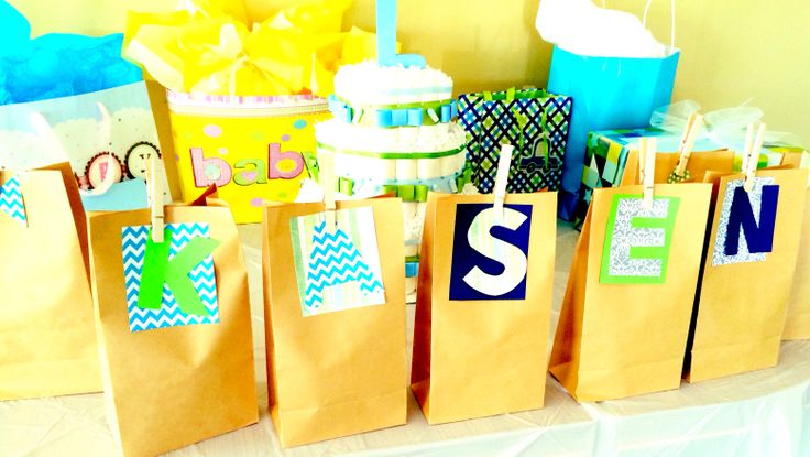 Baby Shower Gift Bag Game ~ Gift bags decorated for guest prizes during baby shower