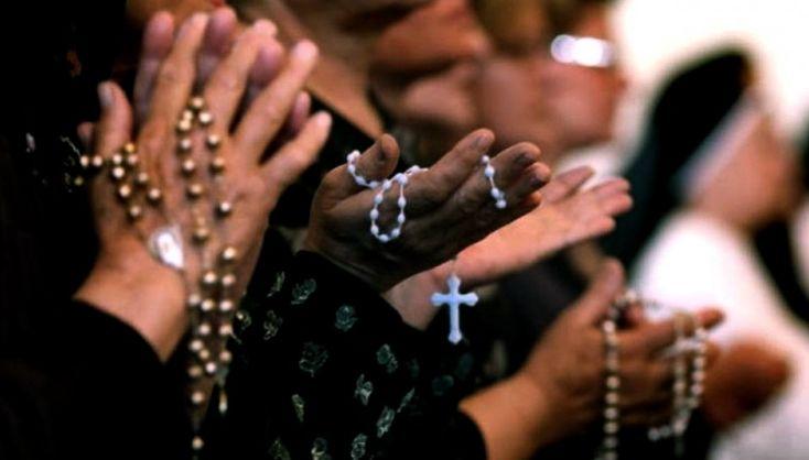 El cristianismo agoniza en Siria En el país de Bashar al Asad ya hay vastas zonas donde no queda un solo cristiano.  http://elmed.io/el-cristianismo-agoniza-en-siria/
