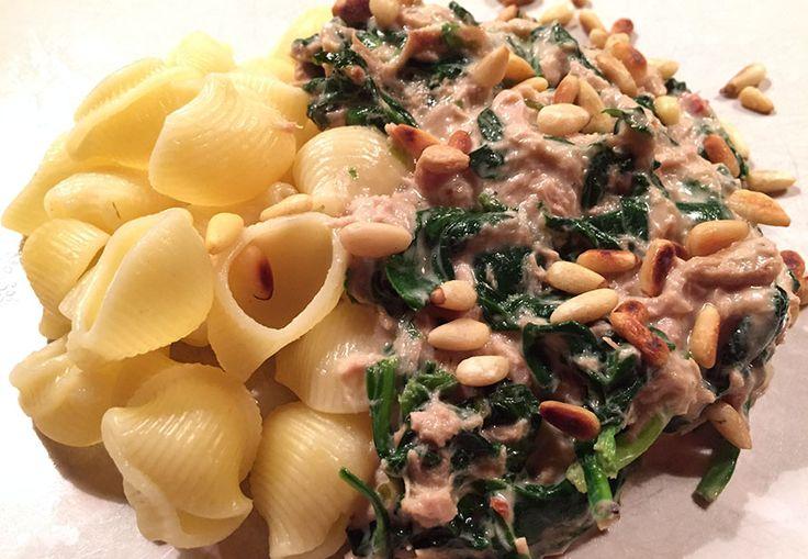 In mijn tweede leven keer ik terug als Italiaan, althans dat hoop ik van harte. Hoofdreden is voor mij de Italiaanse keuken waar ik gek van ben. Andere redenen zijn de olijfvelden en wijngaarden. Dit recept voor pasta carbonara is…