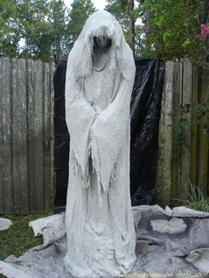 """A monster mud reaper, about 5'5"""" tall. Use a schedule 40 1- inch PVC frame and chicken wire to build him. scare the s!@#t out of your neighbors http://halloween-decorations.fastblogger.uk/"""