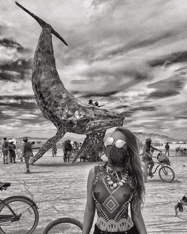 44 Foto's Van De Hete Burning Man Babes