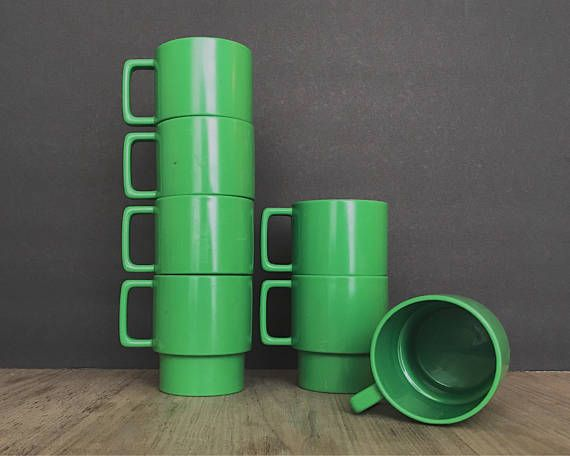 Vintage Plastic Mugs, Plastic Cups, Stackable Mugs, Green Mugs, Green Cups, Camping Mugs, Kids Plastic Mugs, Picnic Cups, Stacking Mugs,