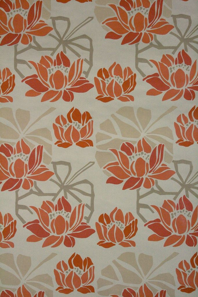 Vintage Red Flower Wallpaper: beautiful flower pattern in shades of red, with open and closed flowers on white background, and large soft grey and silver leaves.