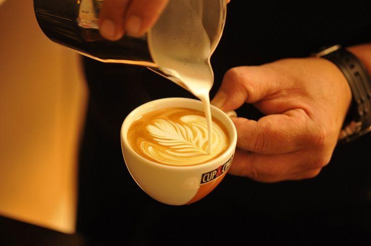 Latte Art: Eine Tulpe auf dem #Cappuccino...