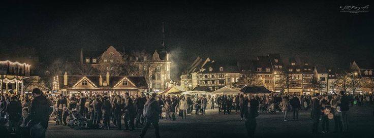 Vor dem Ökumenischen Gottesdienst vor den Domstufen gibt alles allerhand Rund um das Martinsfest auf dem Markt zu erstehen. Foto Sven Zitzmann