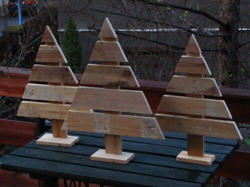 Christmas trees made of pallets
