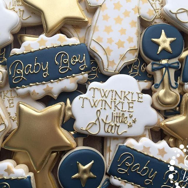 Twinkle twinkle little star baby shower  #casebakes #clearlaketx #clearlakecity #clearlakecookies #friendswood #pearland #leaguecity #twinkletwinklelittlestar #babyshower #decoratedcookies #sugarcookies