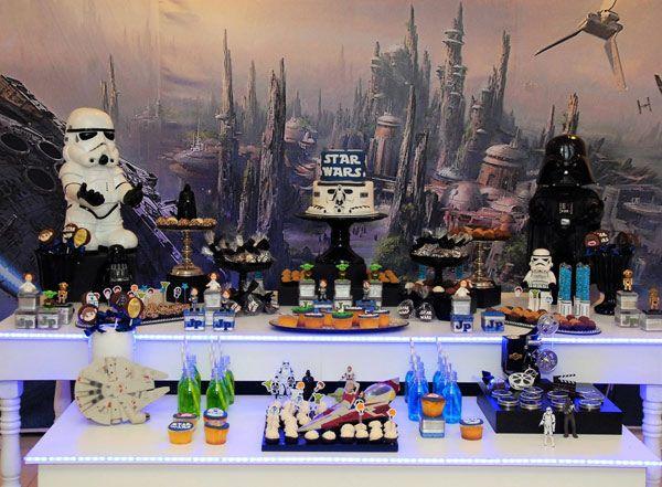 Festa Star Wars é um universo inigualável de imaginação, aventura, tecnologia e diversão. Confira fotos para se inspirar nesse tema que está super em alta