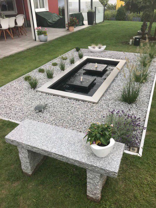 Zwei Quellsteinplatten In Langformbecken Mit Edelstahlumrandung Slink Ideen Mit Wasser Wasserspiel Garten Gartenbrunnen Garten