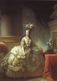 El 19 de diciembre de 1778, María Antonieta tiene su primer hijo: es una niña, María Teresa, llamada «Madame Royale».Pero los libelos han hecho correr rápidamente la noticia de que el niño no es hijo de Luis XVI.El 27 de marzo de 1785 nace su tercer hijo, Luis-Carlos (Luis XVII), duque de Normandía. El 9 de junio de 1787 nace su última hija, Sofía Beatriz (María Sofía Helena Beatriz) que murió con un año de vida de tuberculosis (19 de julio de 1788).