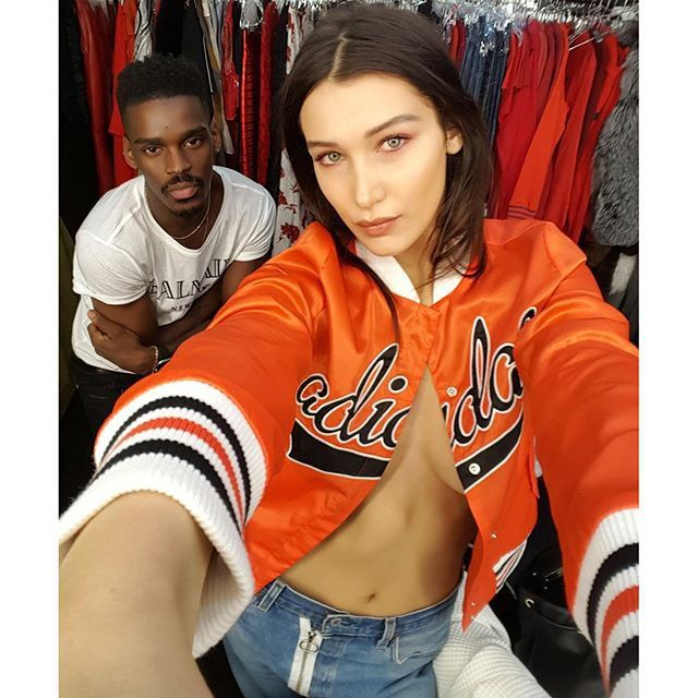 Pin for Later: The 49 Hottest Female Celebrity Selfies of 2015 Bella Hadid