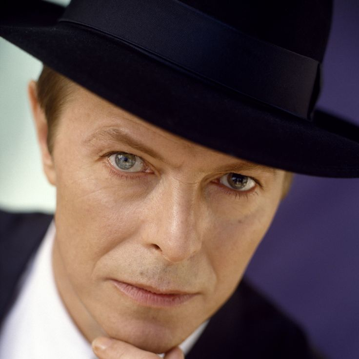 david_bowie_hat_look_face_ring_3330_2048x2048.jpg (2048×2048)