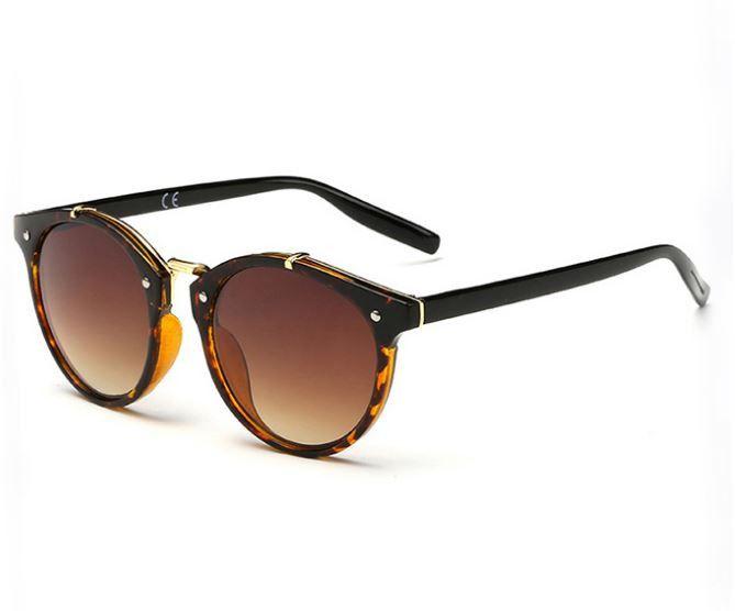 Dámské retro sluneční brýle hnědé s hnědým sklem – SLEVA 50% + POŠTOVNÉ ZDARMA Na tento produkt se vztahuje nejen zajímavá sleva, ale také poštovné zdarma! Využij této výhodné nabídky a ušetři na poštovném, stejně …