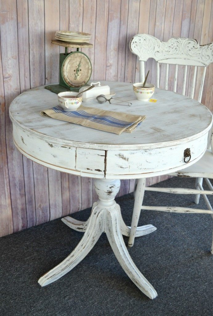 25 best ideas about painted round tables on pinterest round table top chalk paint table and. Black Bedroom Furniture Sets. Home Design Ideas
