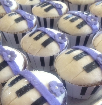 Piano recital cupcakes By ventidesign on CakeCentral.com