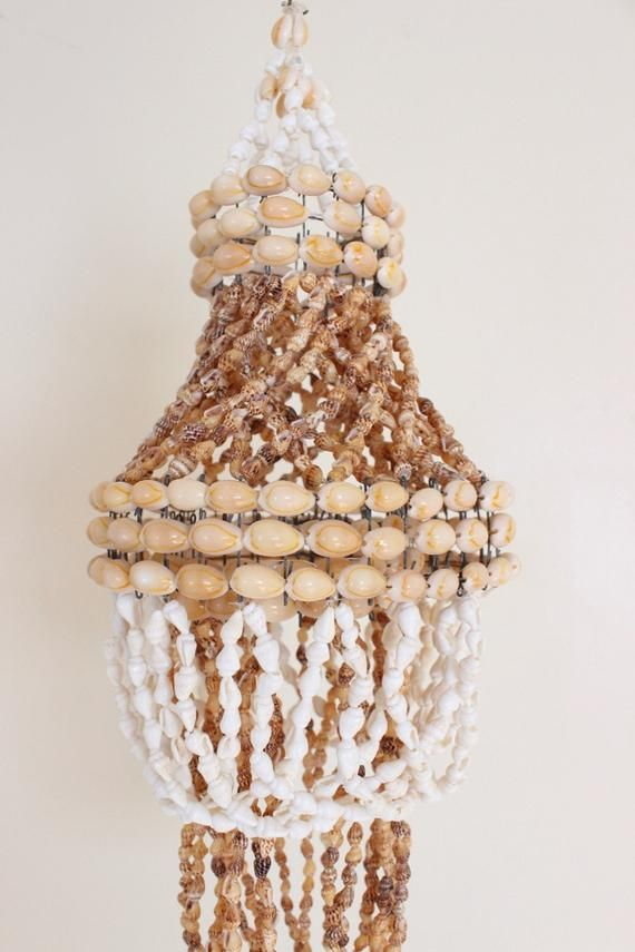 Vintage Shell Chandelier Hanging Shell Mobile Seashell Decor Etsy Sea Shell Decor Shell Chandelier Wind Chimes