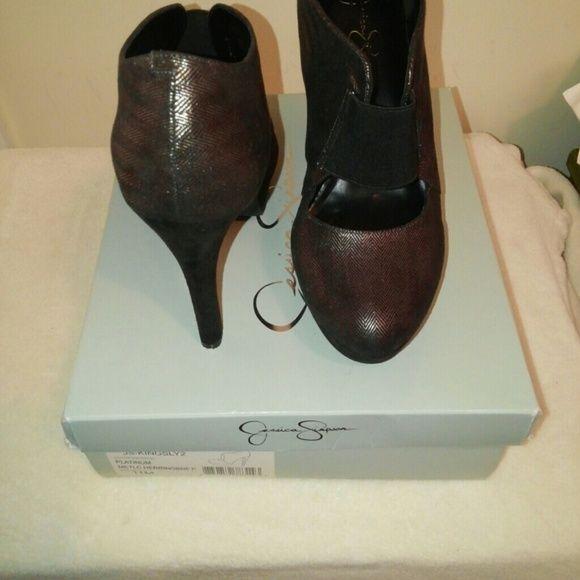 "Hot heels!! Jessica Simpson herringbone pattern 4"" heels Jessica Simpson Shoes Heels"