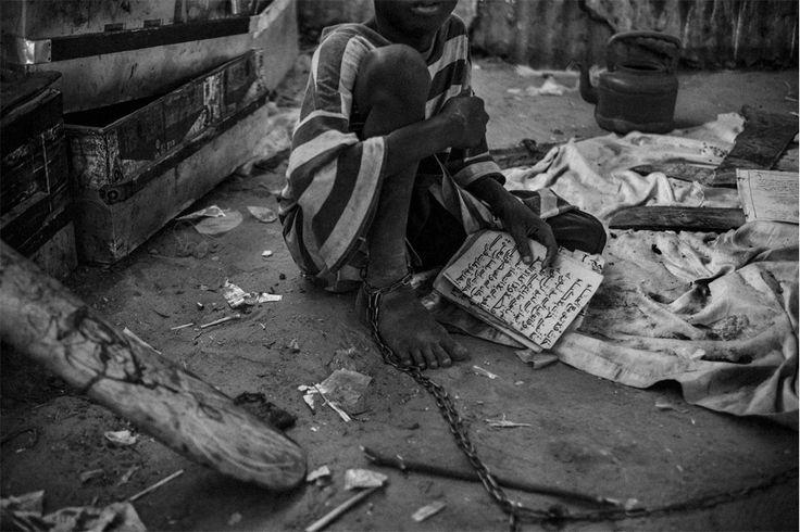 Mário Cruz combate a escravatura infantil com um livro de fotografia #PortoCanal #Acordar #ViagemOnline #PauloFrias 16.05.2016
