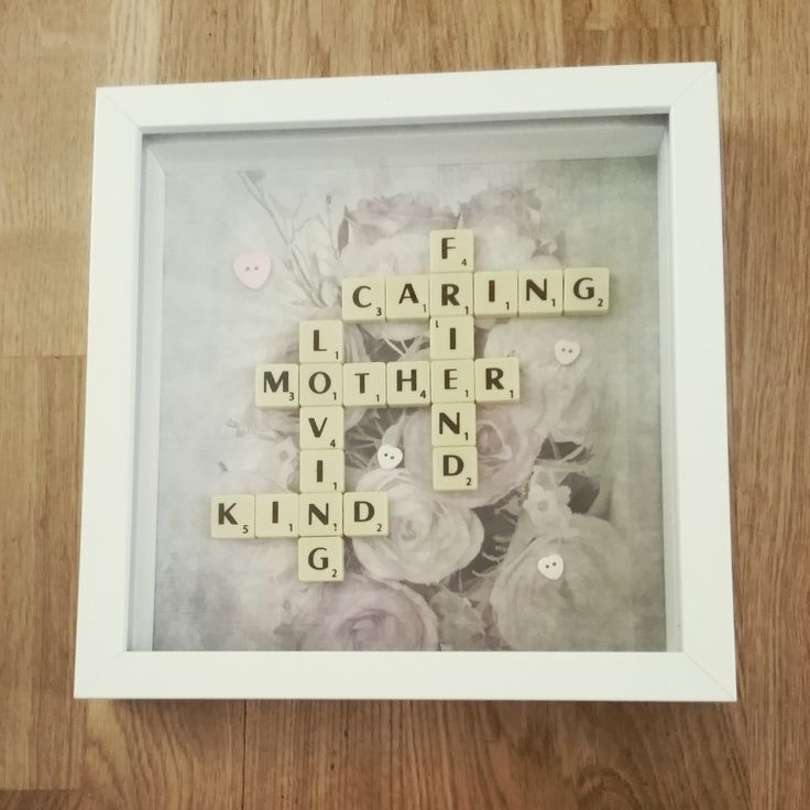 A very pretty shabby chic style Mothers day frame with lots of loving words. Item wil be sent out recorded delivery.