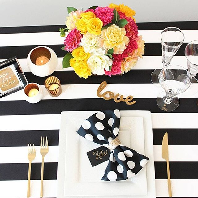 http://bit.ly/1Jg6uUQ I still loooove how this #KateSpade styled shoot for @napavalleylinens turned out! I had so much fun putting this together as @heydesignlady - it was kind of like being on Project Runway! We started with #nvlinens new Spade Stripe and I had 32 hours to put together florals place settings from @brightrentals signage and decor! Check out more of my favorite Kate Spade inspiration #OnTheBlog! #wedding #engaged #preppy #stripes #striped #gold #styling #placesetting…