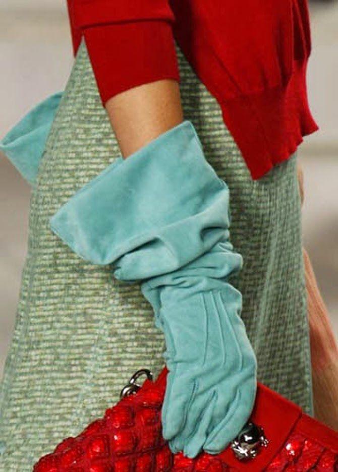 Invitadas con guantes - Petite Mafalda