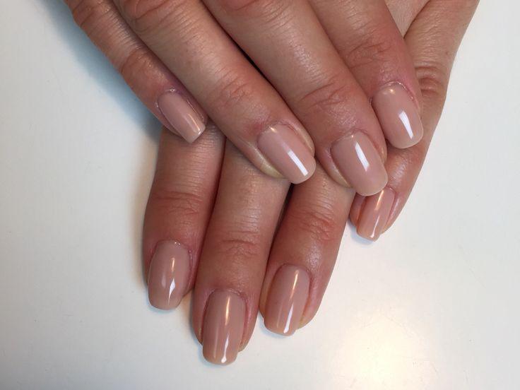 Perfect Nude Color: Sand Beige #gelpolish #gelpolishmanicure #shellak #shellac #wickyhannah #nailart #nails #nailartdesign #nailartist #neglelak #manicure