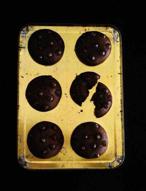 La asaltante de dulces: Receta de galletas chocolate total/ Super chocolate cookies recipe. Yummmy!!