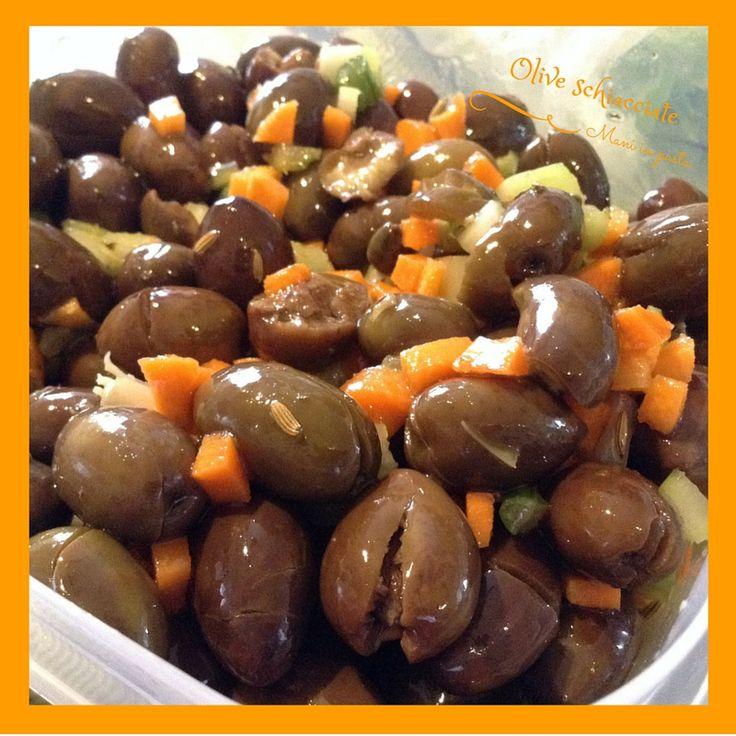 olive schiacciate e condite