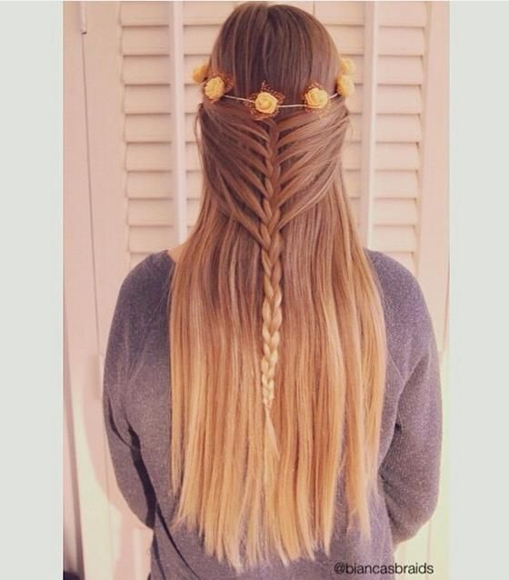 2 Half Up Summer Hairstyles - Half up mermaid braid from biancasbraids with a pretty flower crown.