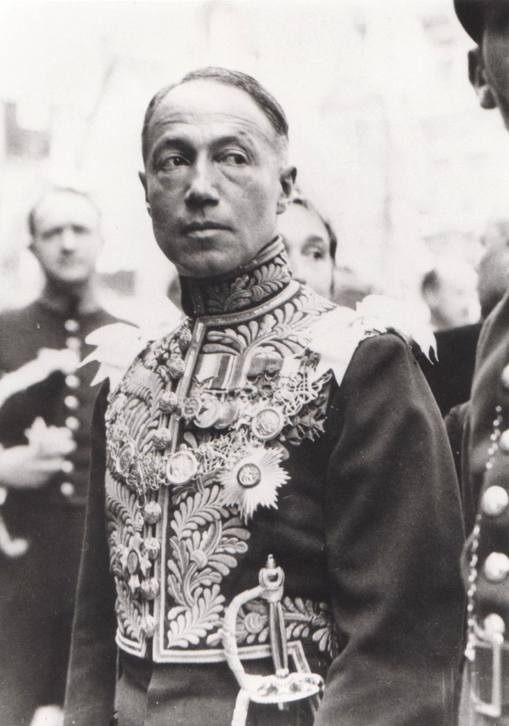Sir Philip Sassoon, 3rd Baronet GBE CMG PC wearing the full dress uniform of a Cabinet Minister when Under Secretary of State for Air between 1931 and 1937. Picture from Lionel D. James (Belgium)
