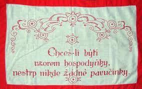 Výsledek obrázku pro vyšívaná textilní nástěnka