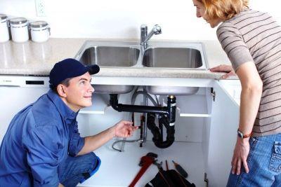 Затевая любые ремонтные работы на кухне или в ванной, вам придётся столкнуться с проблемой установки раковины. Хотя большинство людей считают, что уст...