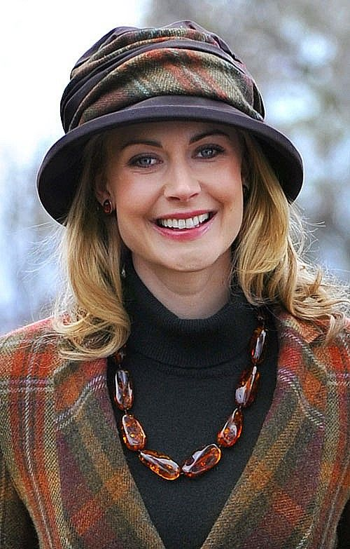 Ladies Tweed Amp Wax Rouched Hat Hats House Of Bruar