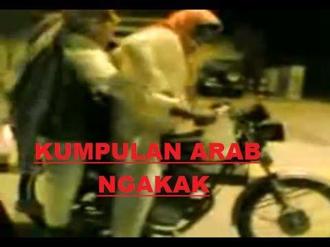 Arab Gokil, Video Lucu Arab, Orang Arab merupakan orang yang penduduknya hobi akan jahil dengan orang. ada beberapa kejadian lucu yang dapat anda saksikan pa.